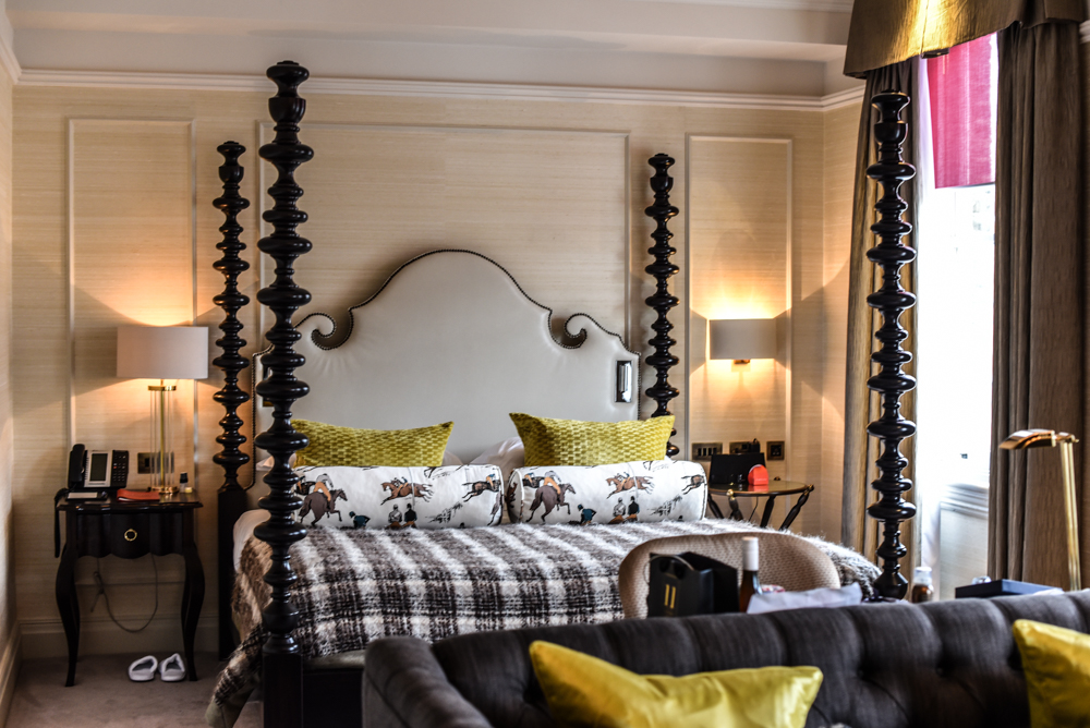 Located behind sloane square in londons higgledly piggledy maze of side streets is this charming bijoux boutique hotel 11 cadogan gardens